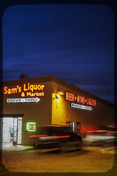 Sam's Liquor and Market sign
