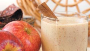 Apple, Cinnamon & Medjool Dates Smoothie